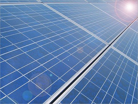 Solar Panels - Chandra Marsono/Flickr CC