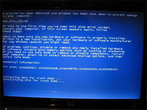 Blue Screen of Death image - coolmikeol - Flickr CC