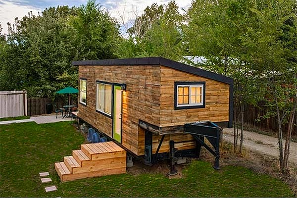 Architect's tiny DIY house is enormously charming